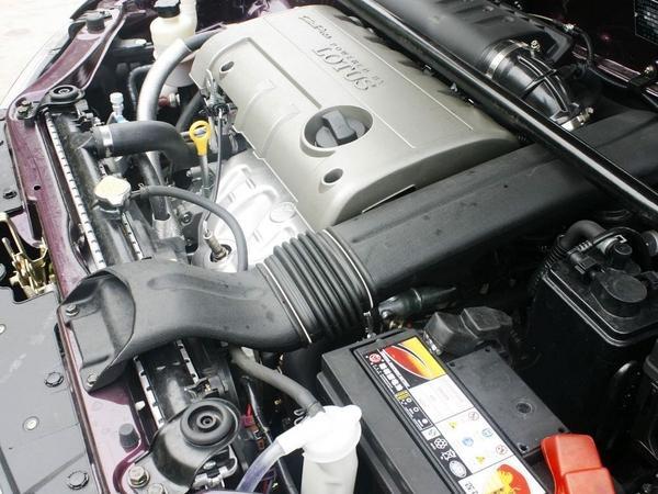 莲花汽车 三厢GT 1.6L 手动 发起机部分特写