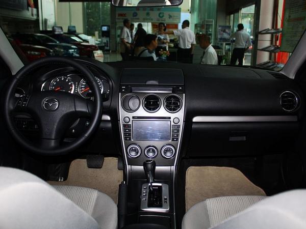 一汽马自达 2.0L 主动 中控台全体