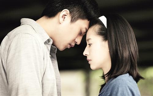 《相爱十年》将播 邓超推荐董洁演女主角图 中新网