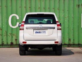一汽丰田 4.0L 车辆正前方尾部视角