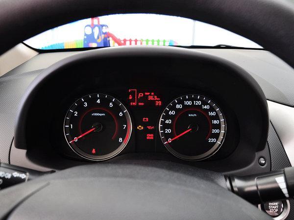 北京当代 三厢 1.4L 主动 方向盘前方仪表盘