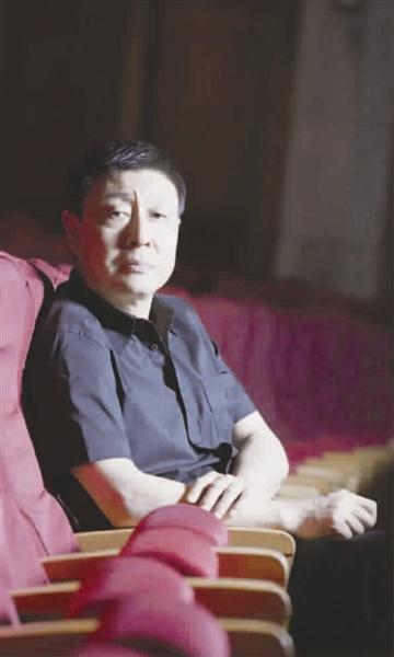 人物简介   郭小男,戏剧导演,1987年毕业于上海戏剧学院导演系,上