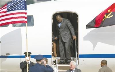 """非洲首脑""""集体""""赴美开大会 标志美对非外交转向"""