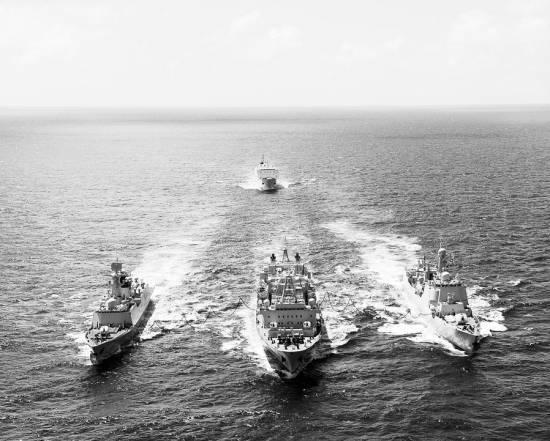 导弹护卫舰岳阳舰,综合补给舰千岛湖舰与美国,法国,墨西哥,文莱等国