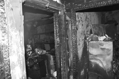 哈尔滨一民宅突然爆炸 三男子冲上楼抬伤员(图)