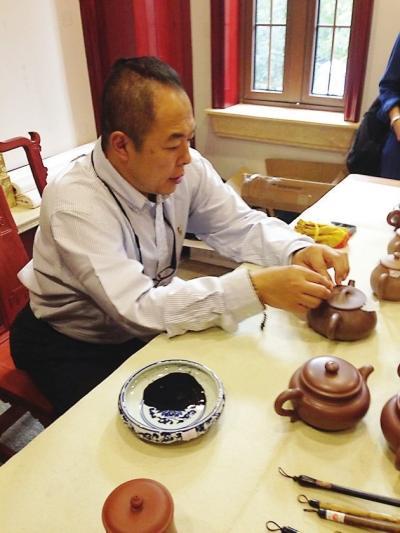 张铁林醉心书法 遗憾混血女儿不懂中国文化(图)