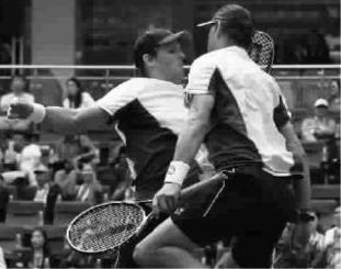 布莱恩兄弟上海赛称雄 获第101个ATP双打冠军