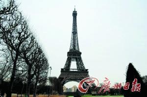 艾菲尔铁塔夜景属特有艺术品 游客拍摄上传或罚款