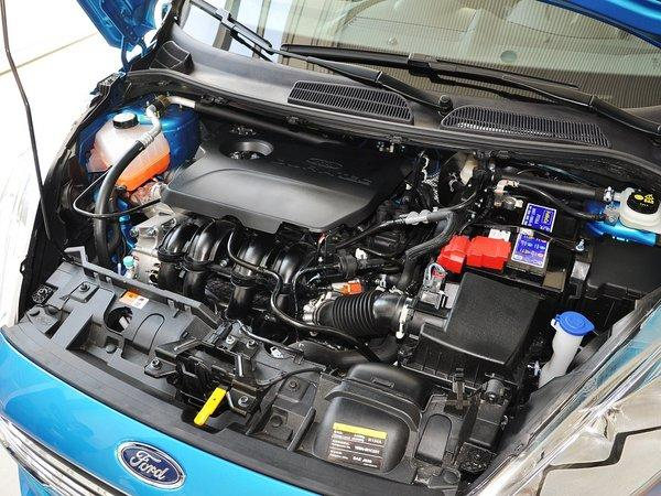 长安福特 两厢 1.5L 自动 发动机主体特写