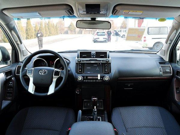 一汽丰田 4.0L 中控台整体