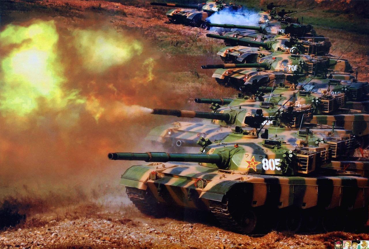 解放军坦克战斗群在进行实战化训练.(资料图)-罗援 军人要做理性
