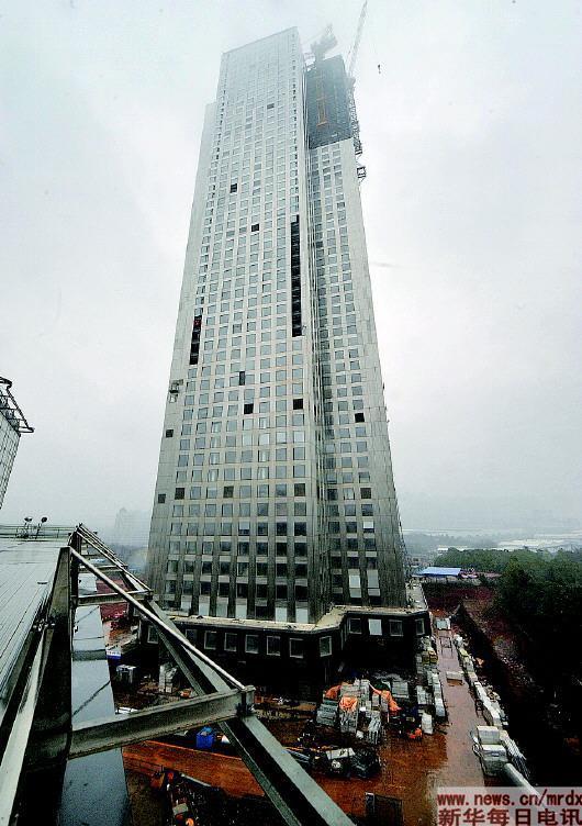 盖大楼就像搭积木 19天搭建57层高楼