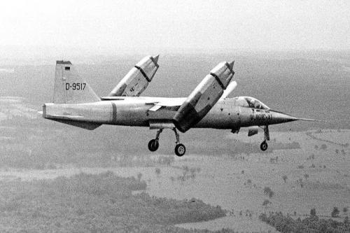 图画说明: 上图为承受测验的德国VJ-101笔直起降战争机