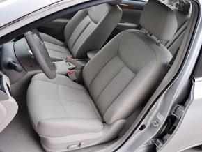 东风日产 1.6LXV CVT 驾驶席座椅前45度视图