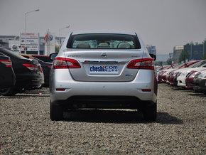东风日产 1.6LXV CVT 车辆正后方尾部视角