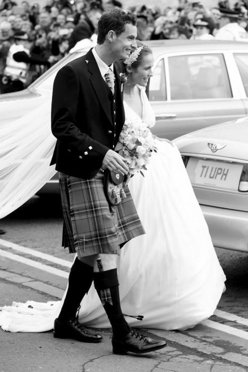 """穆雷变身""""小沈阳"""" 婚礼穿上苏格兰裙(图)"""