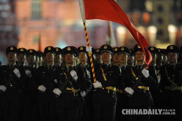 俄专家:习主席出席阅兵式体现对历史尊重,令人钦佩