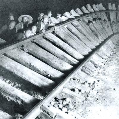 百团大战:扒铁轨炼钢造手榴弹 狮脑山鏖战七昼夜
