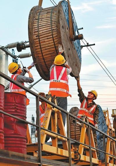 2015央企河南行签订协作项目61个 出资1213亿