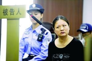 姜某在庭上不断对一年后才抓人持有贰言。
