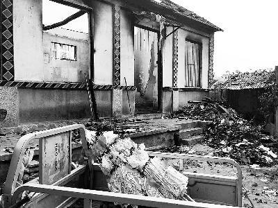 山东平邑农民被烧死事件:房屋被拆村民住进村委会