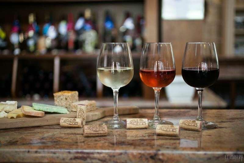 品酒室:葡萄酒发烧友的天堂(组图)