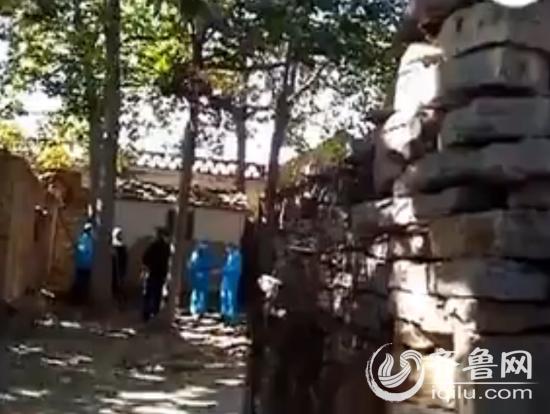 老人不是本村人,生前一直租住在本村远房亲戚的老院子里。(视频截图)