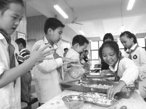 小学生每学年要会做两道宁波菜