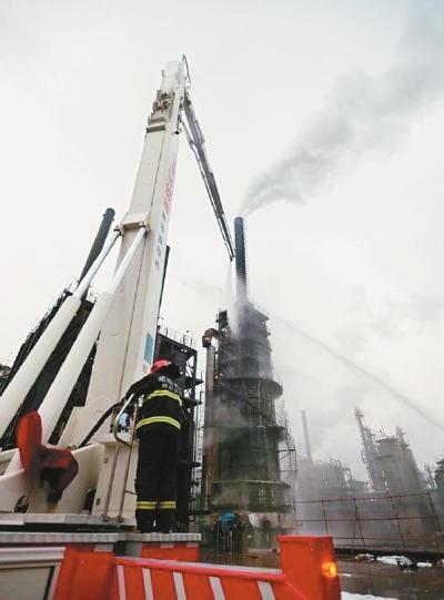 长庆石化百万吨加热炉炉管破碎起火 无职员伤亡
