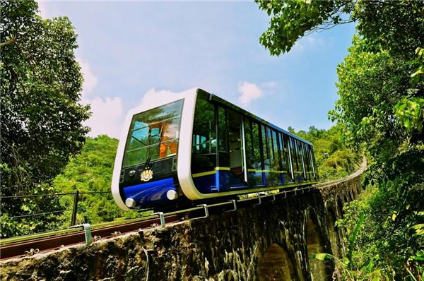 槟城山铁路槟城是马来西亚唯一的缆车系统。尽管绝大多数用于运送游客达升旗山