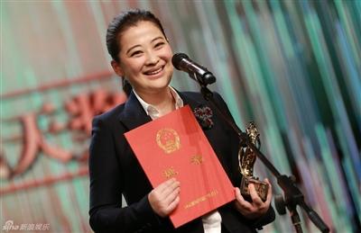 """[明星爆料]陈宝国获""""飞天奖""""视帝:感谢夫人,一路相伴"""