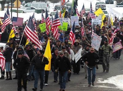 美国牛仔持枪攻占联邦机构大楼 称没有动武念头