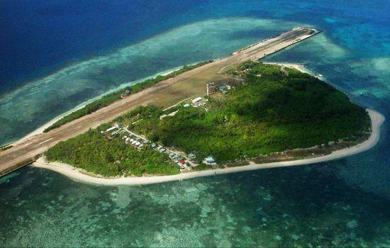 菲律宾飞机飞临中业岛时遭警告 信号或来自中方