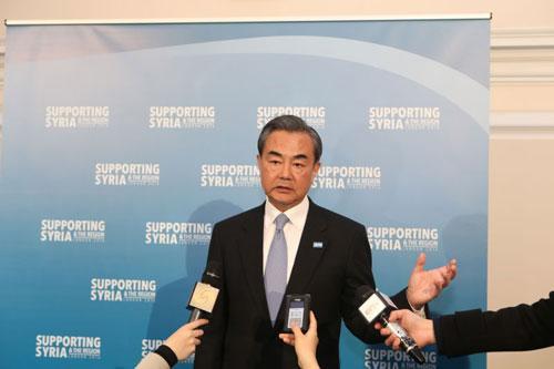 王毅:在国际社会关心的重大问题上中国不会缺席