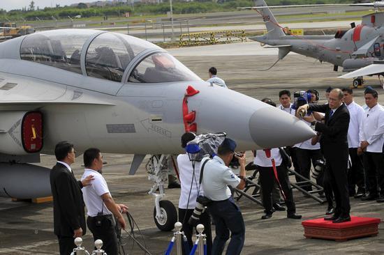 阿基诺出席FA-50战机入役仪式