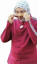[热点新闻]徐峥:我洗后脑勺直接用洗面奶 这样比较节约