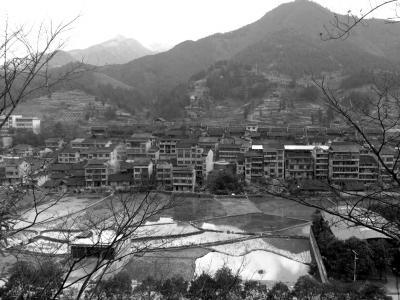 貴州劍河苗寨發生大火 村民:政府涂刷的油漆助燃