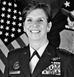 美军战区司令部将首迎女帅 有资深的作战经验