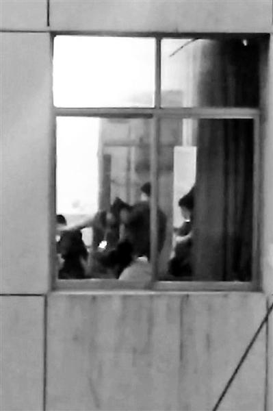 甘肃男老师殴打7名女生视频曝光