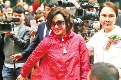 [热点新闻]刘晓庆谈保养:大家对我的期望值太低了点(图)