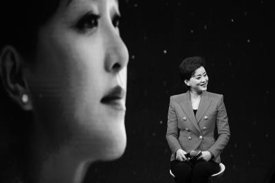 [热点新闻]杨澜:从不要求自己做完美妈妈 想帮助更多的人