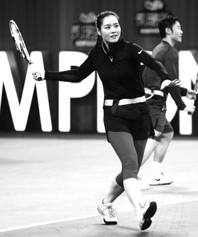 [热点新闻]李娜荧屏首秀《来吧冠军》 奇葩道具助夫妻档PK