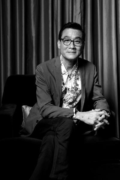 """[热点新闻]梁家辉:我是为新导演服务的""""副导"""""""