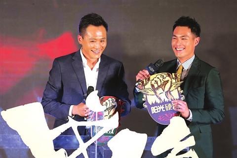 [热点新闻]明星拍新片好拼:刘亦菲狂啃法语对白 黄渤练记忆
