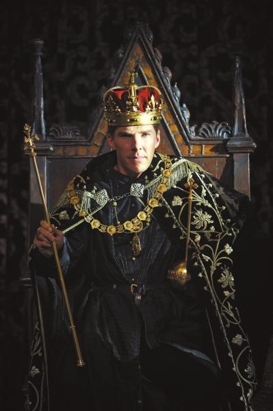 《空王冠》第二季 卷福变身理查三世戴王冠后脸变短了 [有意思]