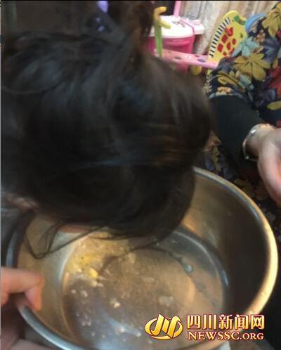 四川家长带孩子农场春游 食自制酸奶后中毒(图)