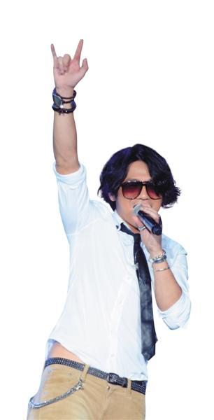 """YY直播曹格驾到 """"尝鲜""""网络直播只因爱女心切 [有意思]"""