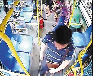 男子清早公交上拉屎 一车乘客一路捂鼻强忍(图)