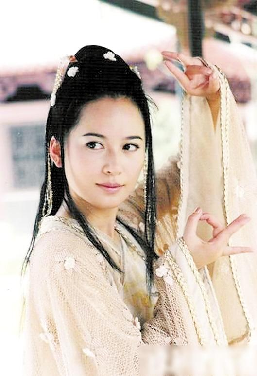俞鸿飞谈婚恋:如果结婚一定不会办婚礼 [有意思]