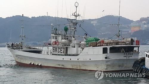 图为发作命案的韩国近海渔船(韩联社)